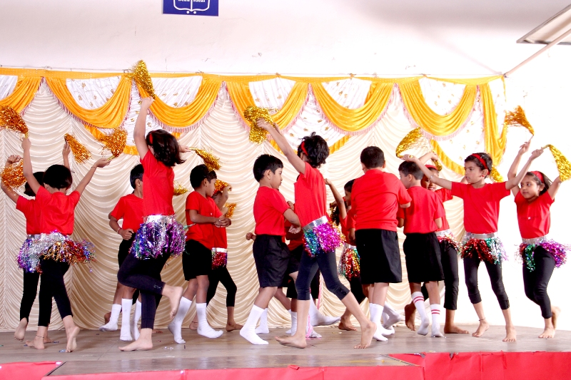 Ganesh Festival : The students spreading the message of 'Peace and Harmony' through the dance 'Aaya hoon main'.