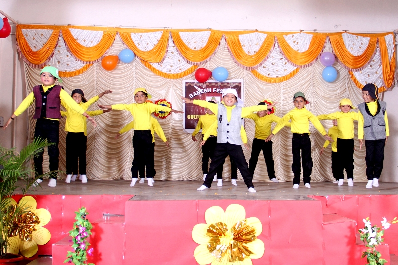 Ganesh Festival :  Wow! The incredible young dancers held everyone captive on the zumba beats 'Let's Star Jump'.