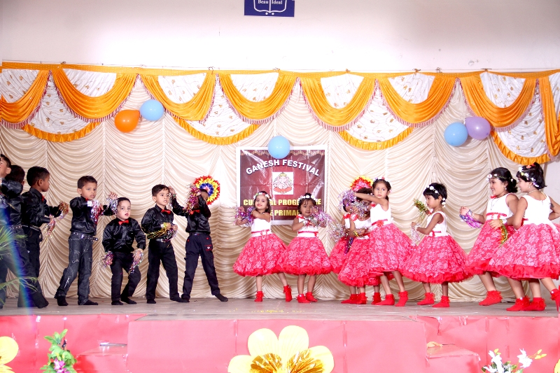 Ganesh Festival :  Little stars of LKG Jasmine are showing the happiness during holidays.