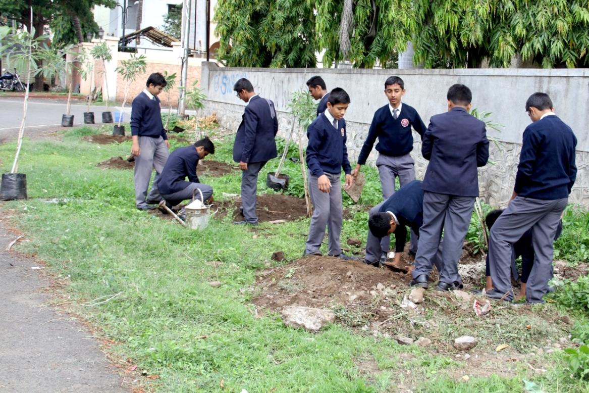 Prefects involved in the 'Tree Plantation'.